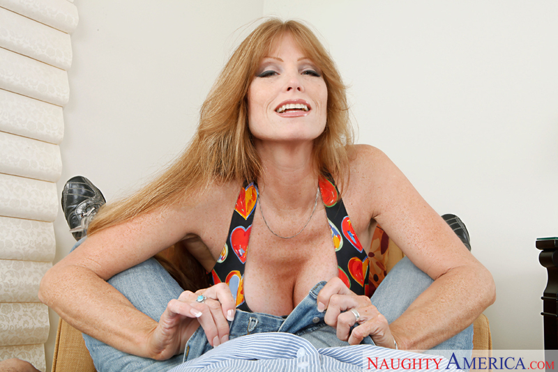 Housewife 1 on 1 - Darla Crane &