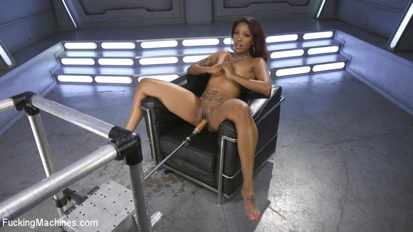 Ebony Squirt Slut Soaks Fucking