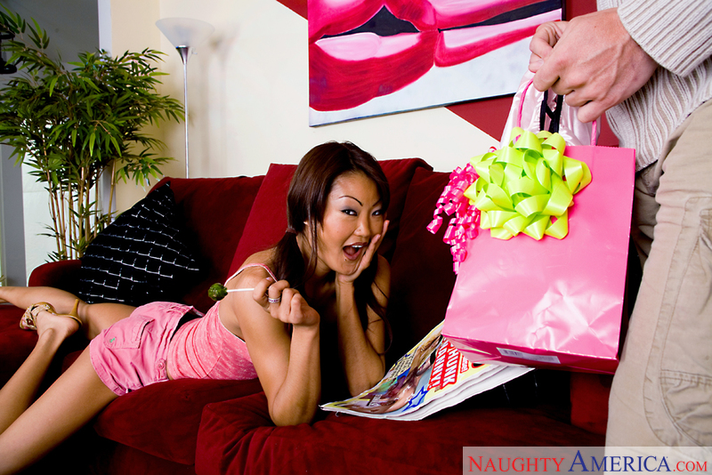 Asian 1 On 1 - Lucy Lee & Joey R