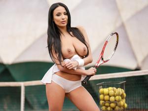 Anissa Anal Tennis Pratice