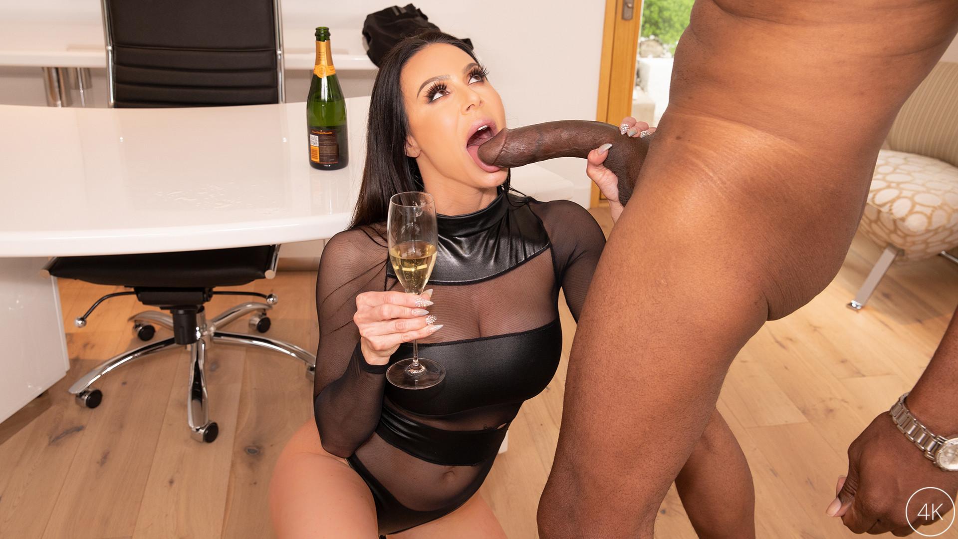 Big Tit MILF Star Kendra Lust Ha