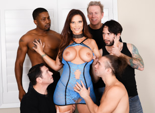 LeWood Gangbang: Battle Of The MILFs #03 Escena 1