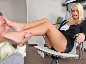 High heels seduction Scène 1