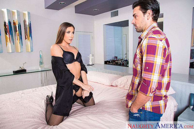 Dirty Wives Club - Clea Gaultier