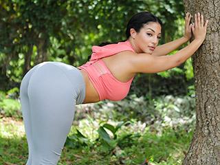 Orgasmic Ebony Exercise Scène 1