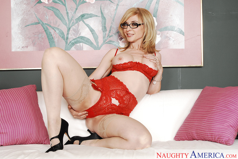 My Friend's Hot Mom - Nina Hartl