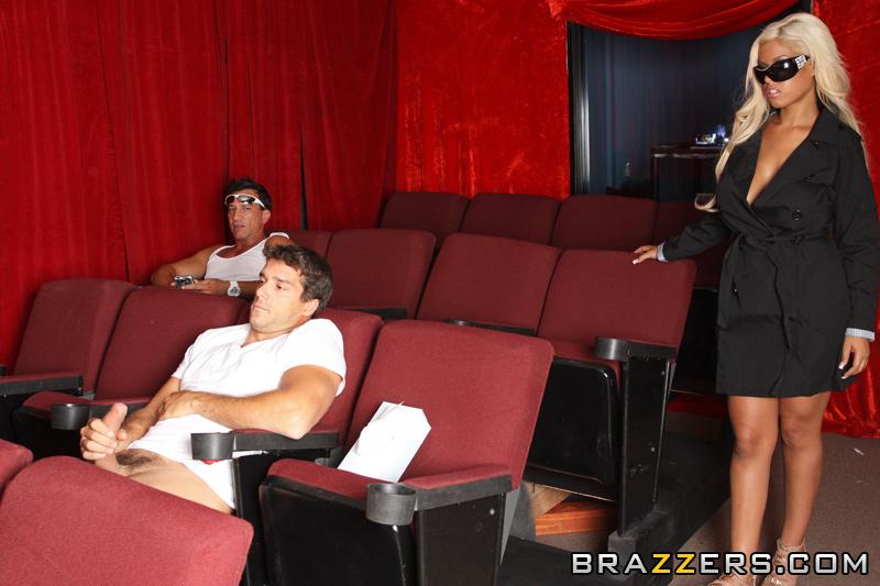 Porno Theater Ho Scène 1