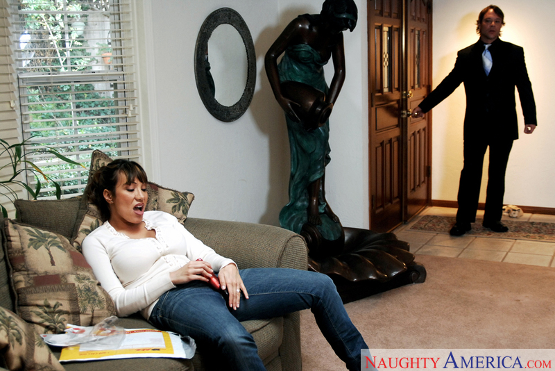 Housewife 1 on 1 - Ava Devine &
