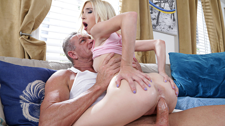 Naughty America - Piper Perri