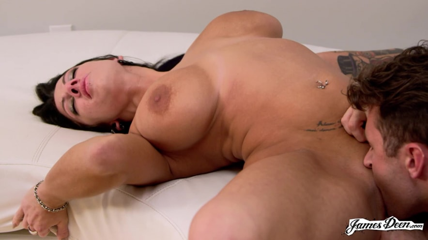 Lylith Lavey Comes Really Fucking Hard Scène 1