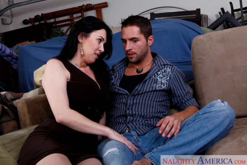 My Friend's Hot Mom - Rayveness