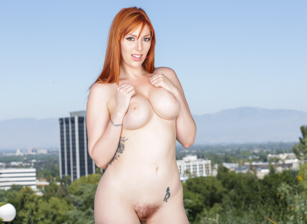 Busty Redhead's Rack Sperm-Slopped Scène 2