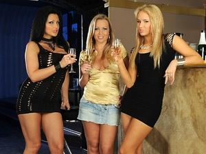 Three Divas Scène 1