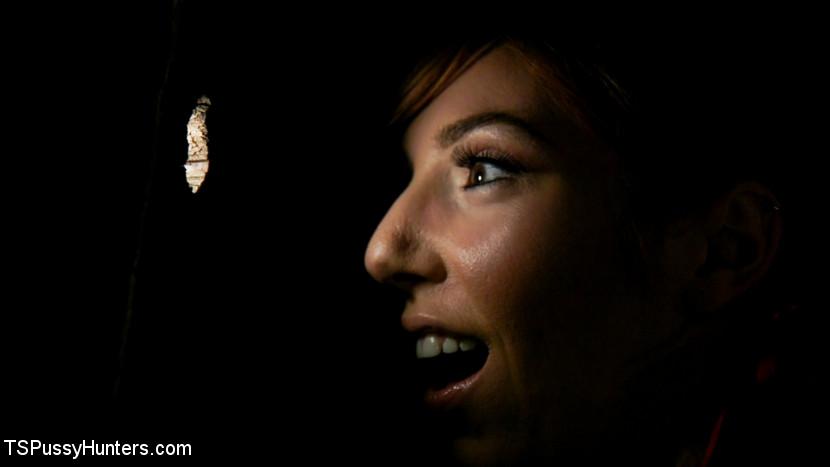 Kayleigh Coxx Punishes Peeping M