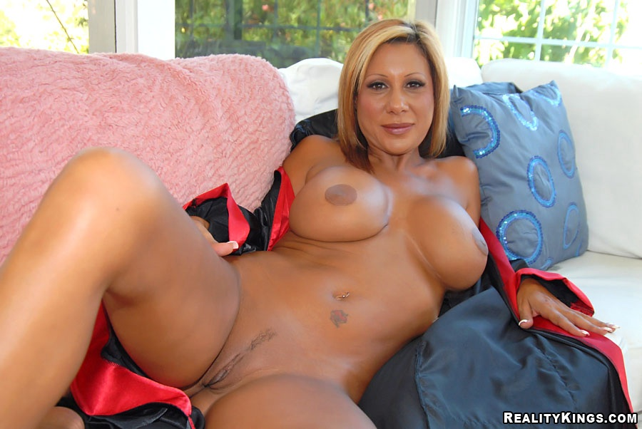 nude-erotic-free-milf-lust-next-door-leggings