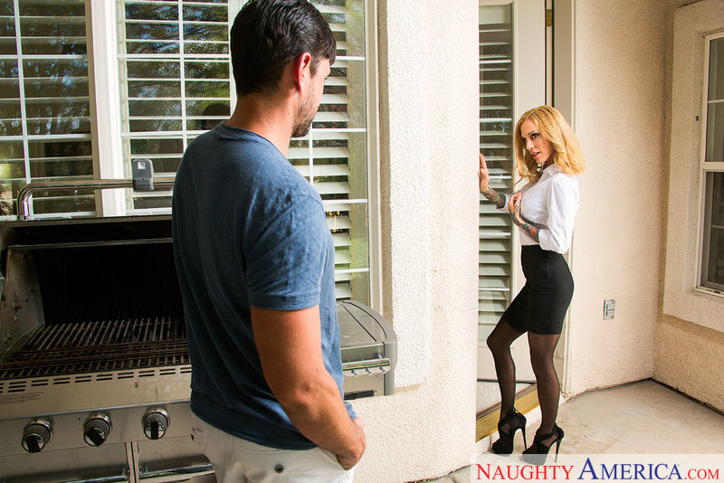 Neighbor Affair - Sarah Jessie &