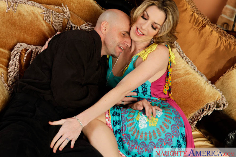 Neighbor Affair - Kayla Paige &