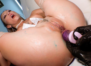 Squirting Adira Allure: Gaping A