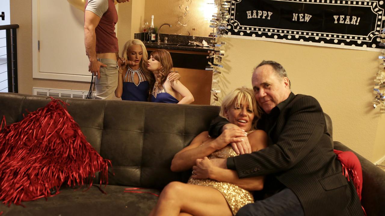 New Years Family Fuck - S1:E3