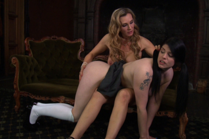Lucia Love Gets Motivated by Tanya Tate Scène 1