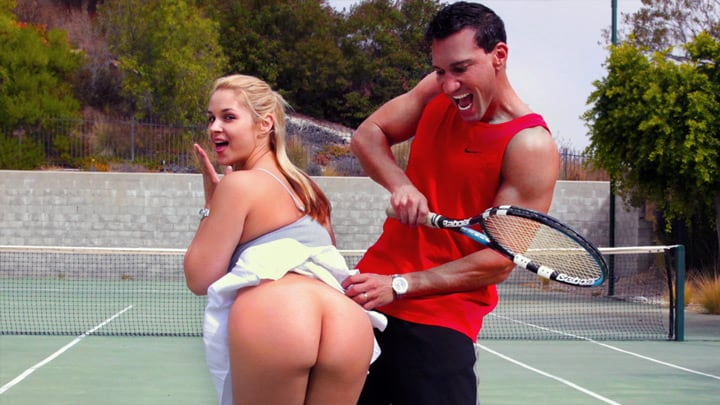 Sarah Vandella goes balls to the