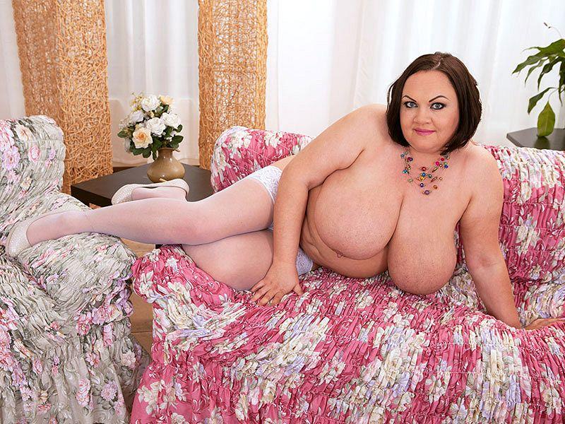 Natascha Romanova: Nipple Pleasu