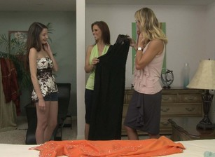 Web Exclusive, Scene 1469 Amber Chase Brenda James Scène 7