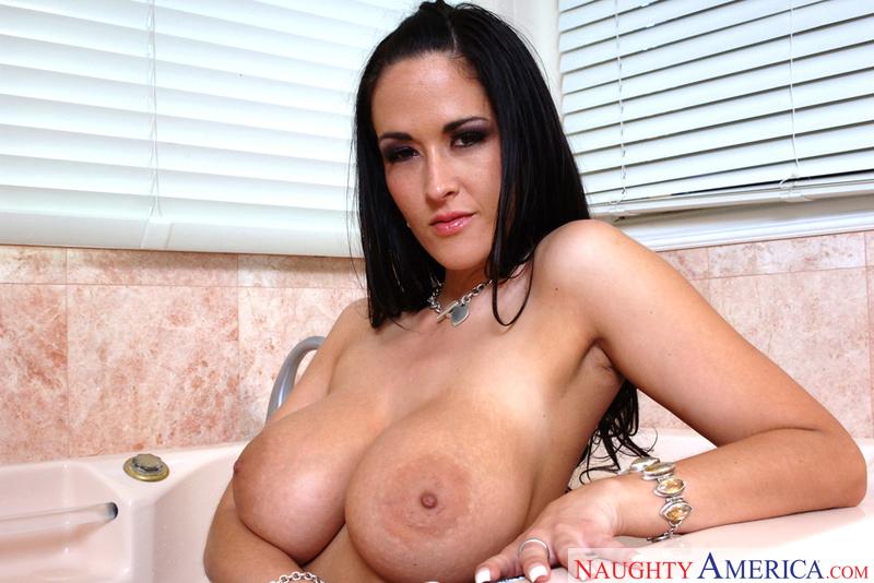 Housewife 1 on 1 - Carmella Bing