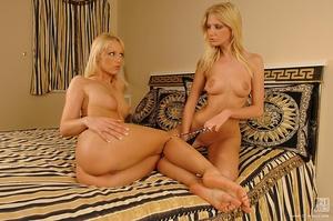 Blonde on blonde Scène 1