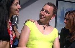Hot Amateur Threesome Szene 4
