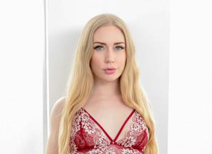 Blonde Babes Scène 1