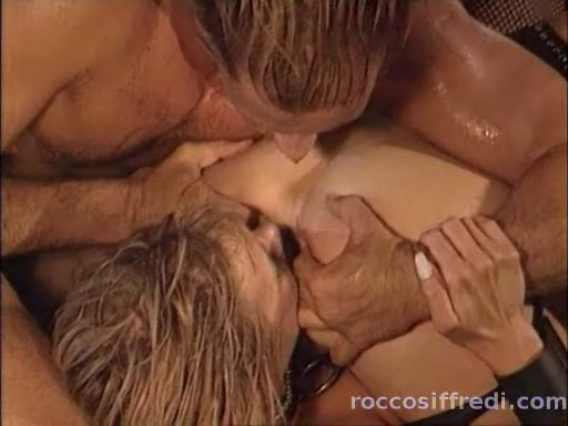 Sandy Insatiable Scena 6