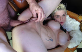 Anal German Stepmom Scène 1