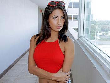 Latina Hottie Gets Fucked