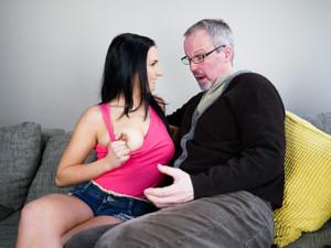 The Older Guy Scène 1