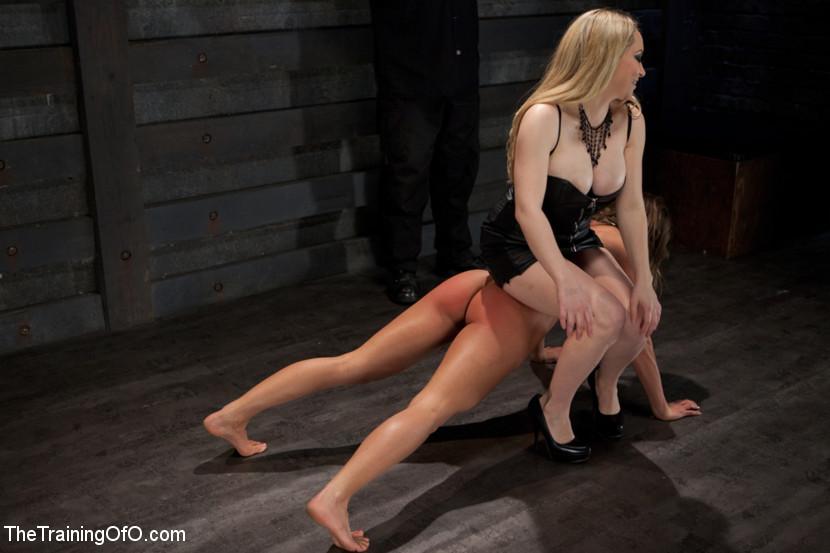 Lesbian Slave Training Ariel XFe