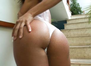 Bare Ass And Gapes Escena 8