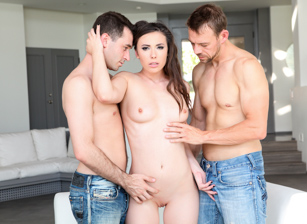 Casey Calvert in Analized