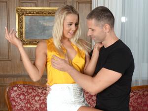 Sex On Her Estate Scène 1