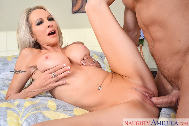 My Friend's Hot Mom - Emma Starr