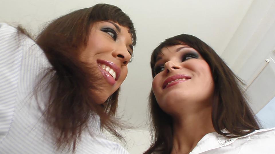 Shanis & Jeny B Scène 1