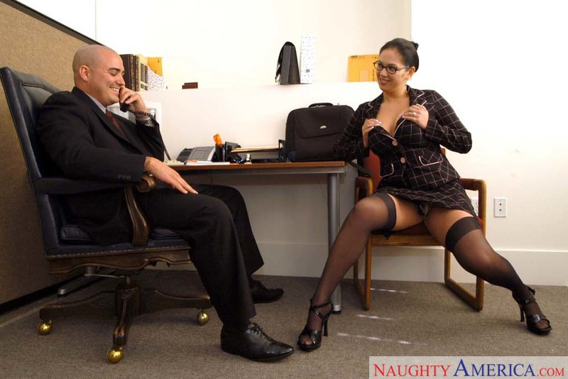 Naughty Office - Reina Leone