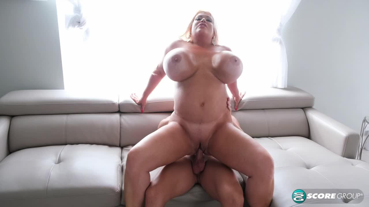 Bikini Sex With Victoria Vale