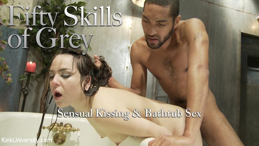 Deep Kissing & Bathtub Sex