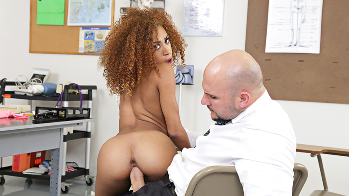 Naughty America - Kendall Woods
