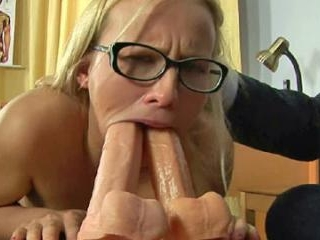 Double dildo BJ by a nude submissive secretary