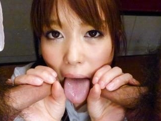 Moe Sakura meditates with a vibrator in her snatch