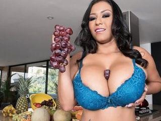 It\'s Hot In Shanie Gaviria\'s Kitchen
