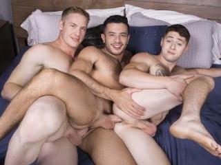 Jax, Manny & Lane : Bareback