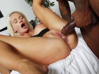 Cindy Sun - Blacks On Blondes